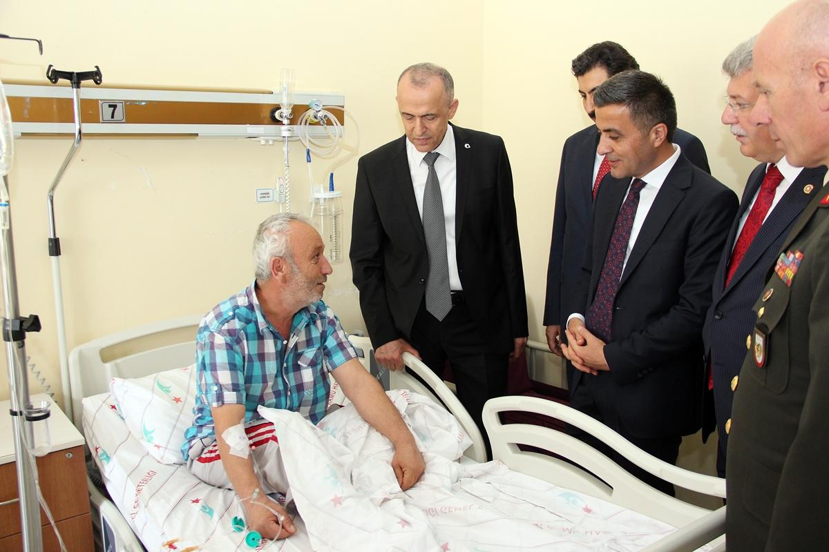 Valimiz Hamdi Bilge Aktaş, Devlet Hastanesi'ni Ziyaret Etti